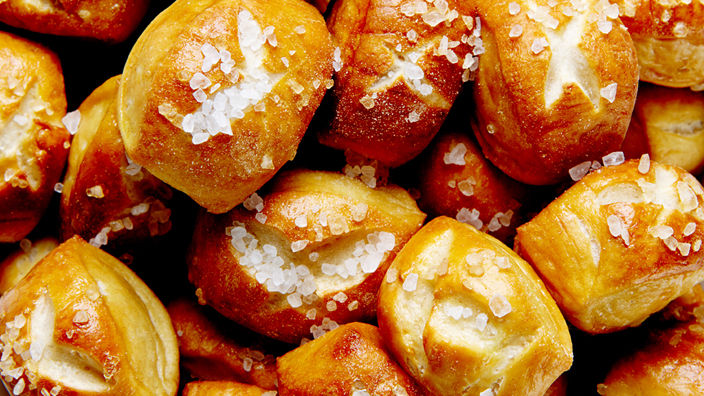 Pretzel Bites with Honey Mustard Dip