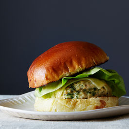 Jenny_chicken-burgers_food52_mark_weinberg_14-05-13_0446_(1)