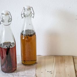 Extracts & Syrups by The Foodies' Kitchen