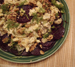 Beet_fennel_and_blue_cheese_salad