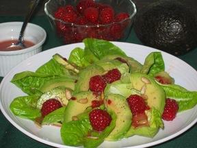 Avocado_raspberry_salad