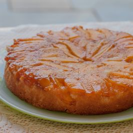 Peach-and-ginger-upside-down-cake-480x340_2x