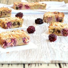 Coconut_raspberry_bars