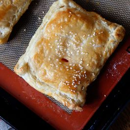Tomato_cheese_turnover_1