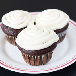 Chocolate Cupcake w/ Buttercream Frosting