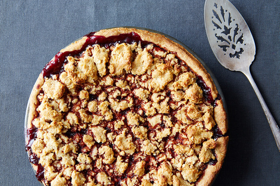Blackberry-pie-with-hazelnut-crust_food52_mark_weinberg_14-08-12_0412