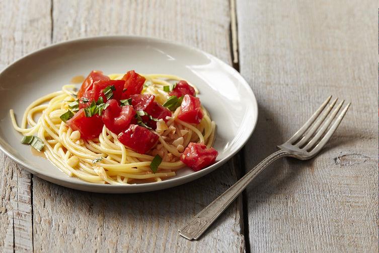 Michael Ruhlman's Pasta with Tomato Water, Basil, and Garlic