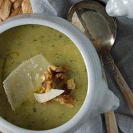 Zucchini-basil_soup_with_parmesan___walnuts