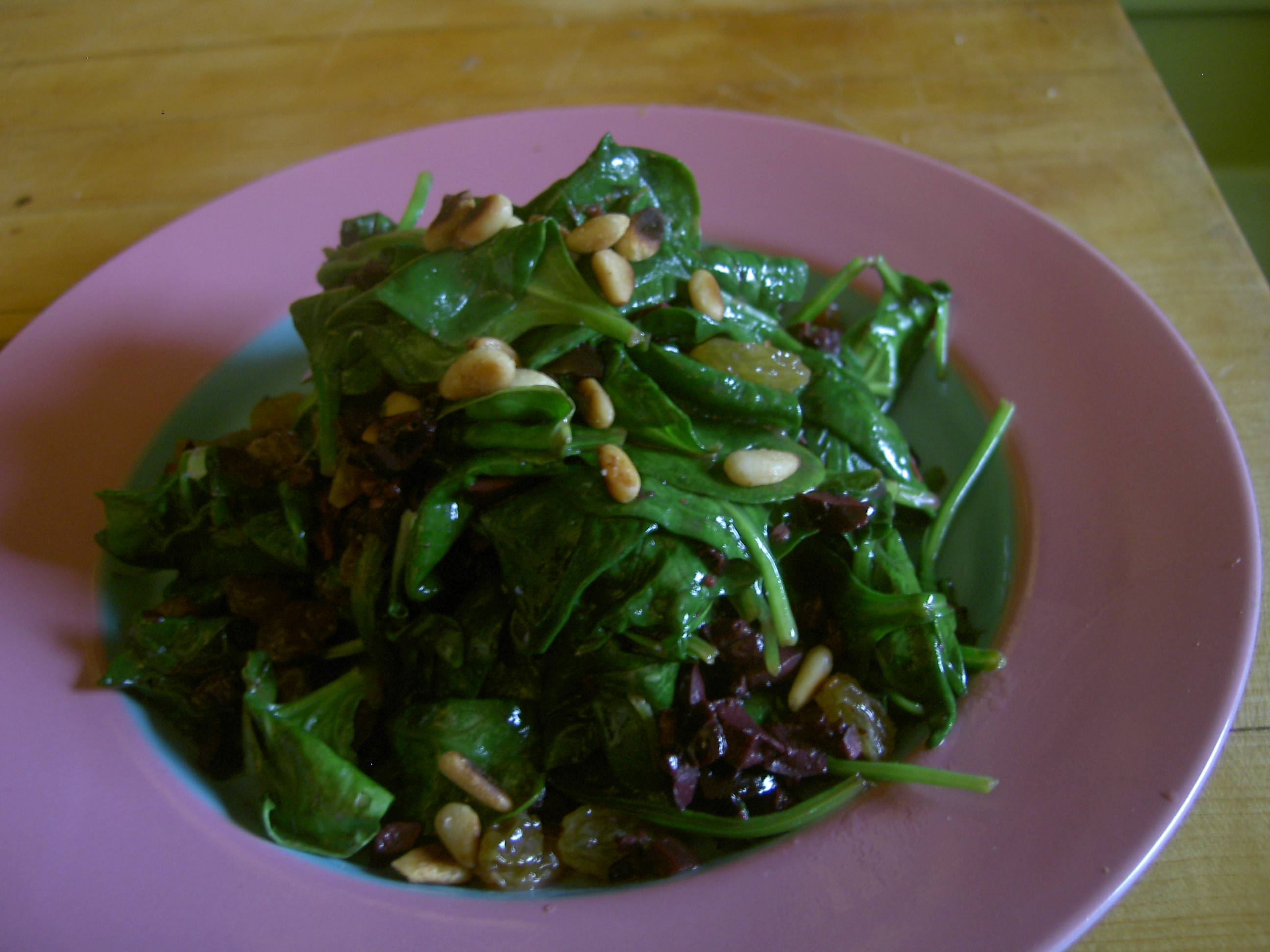 Sauteed Spinach with Kalamata Olives and Raisins