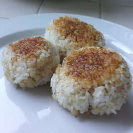 "Japanese Tuna Grilled Rice Balls (""ツナ""焼きおにぎり - Tuna Yaki Onigiri)"