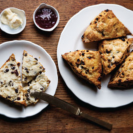 30_currant_rosemary_scones
