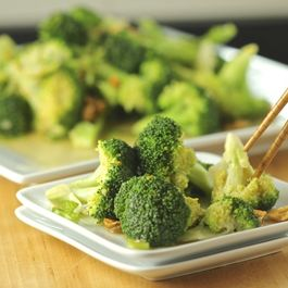 Steamed Broccoli with an Aromatic Sauce
