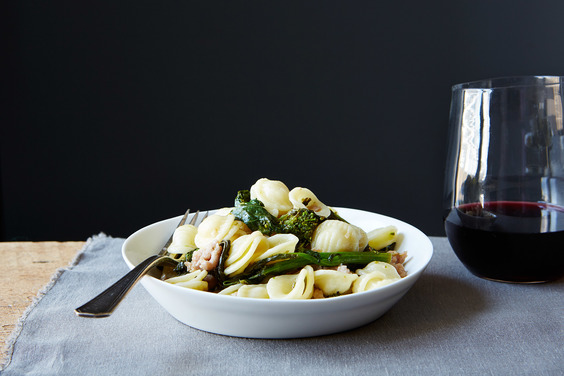 Orecchiette-with-broccoli-rabe-and-sausage_food52_mark_weinberg_14-09-02_0067