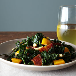 2014-1021_kale_salad_with_winter_squash_bacon_309