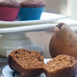 Pear-gingerbread-muffins