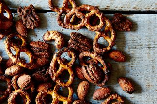 Sweet-and-spicy-pretzel-nut-mix_food52_mark_weinberg_14-11-18_0075