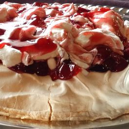 Cherries_in_the_snow_pavlova