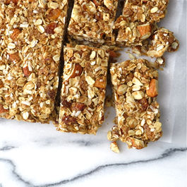 Coconut_almond_granola_bars