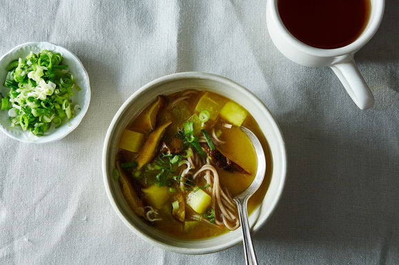 2015-0126_miso-soup-with-shiitakes-turnips-and-soba-noodles-015
