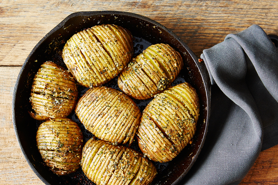 2015-0210_hasselback-potatoes_mark-weinberg-325