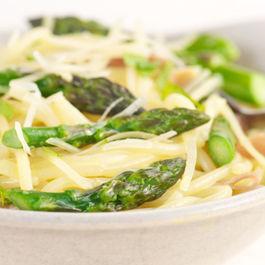 642x361_asparagus_noodle_bowl
