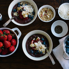 Acai_bowl_small_batch___liren_baker_for_food52-fb-dsc_8228
