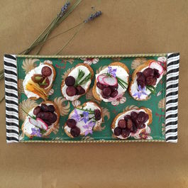 Honeyed Goat Cheese Crostini with Roasted Grapes