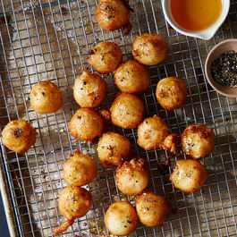 2015_0324_honey-finalist_fried-goat-cheese-w-honey-black-pepper_bobbi-lin_0194