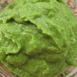 Minty spring pea puree
