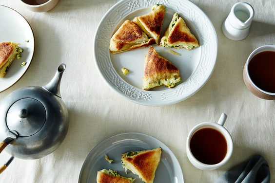2015-0505_filled-georgian-khachapuri-cheese-bread_james-ransom-044