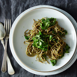 2015-0505_soba-with-parsley-pea-pesto-and-kale_james-ransom-014