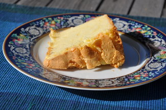 Potluck_042410_bette_s_best_sour_cream_cake