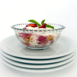 Rhubarb_trifle_bowl