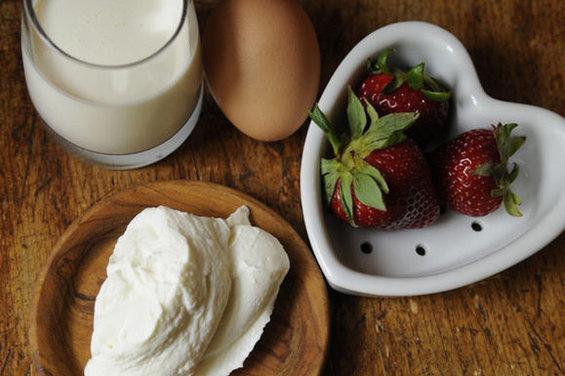 Coeur a la Creme with Strawberries