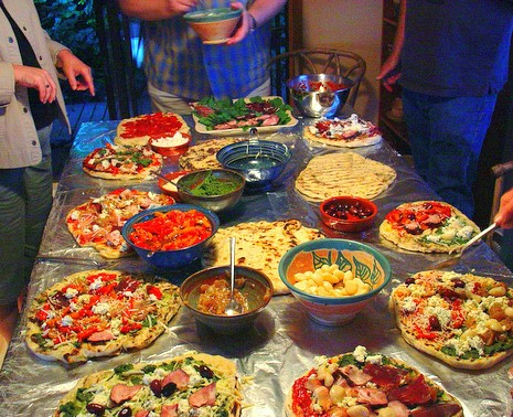A Grilled Pizza Party