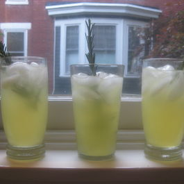 Lemony_rosemary_fizz