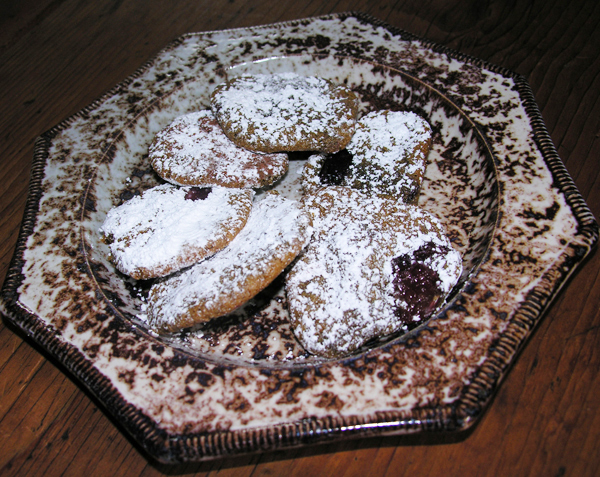 """Pfeffernusse"" or  peppernut cookies with cranberries"