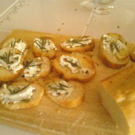 Rosemary & Goat Cheese Crostini