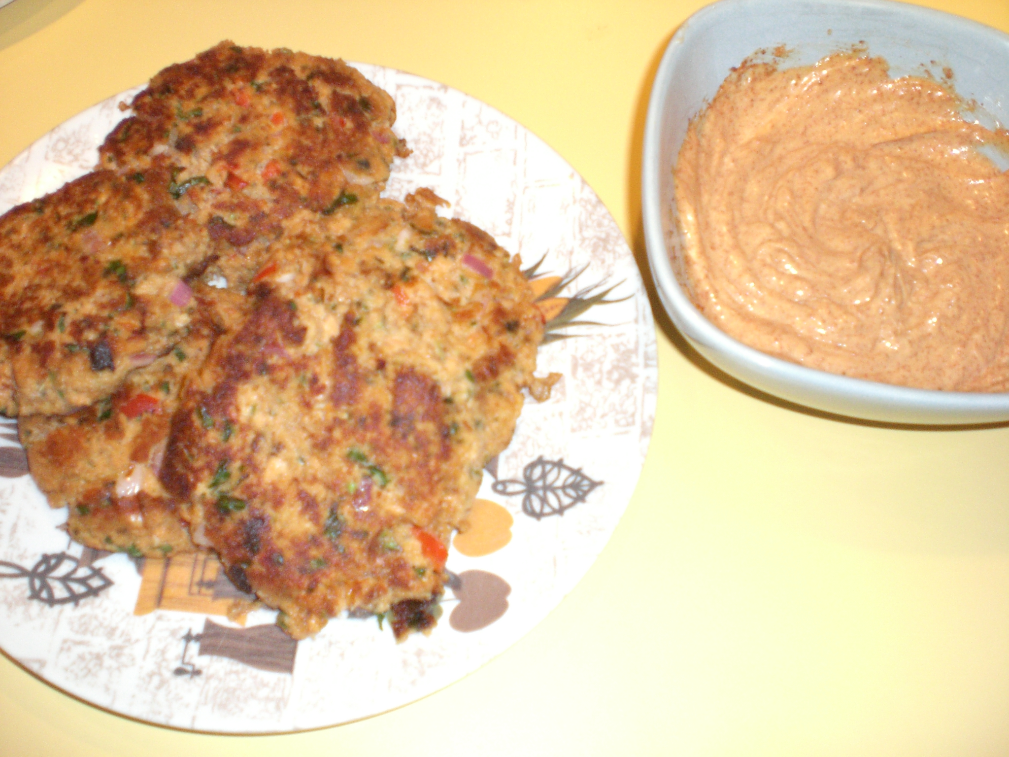 Cilantro Lime Salmon Cakes with Chipotle Mayo