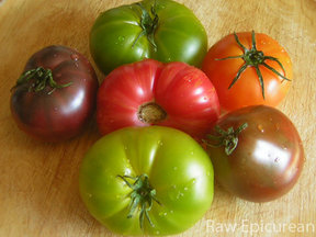 Pretty-heirloom-tomatoes_w