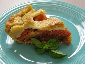 Tomato_pie_close_up_slice