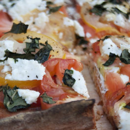 "Heirloom Tomato Flatbread ""Pizza"""