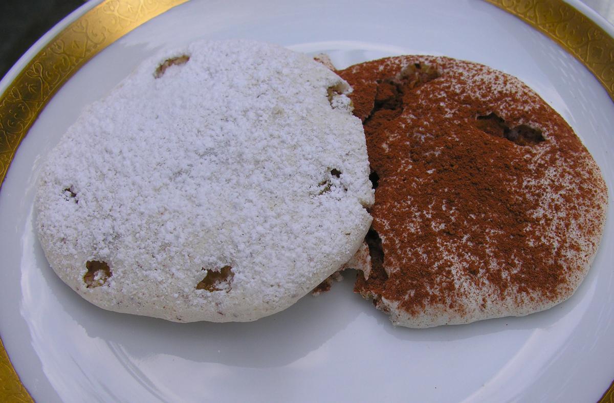 Variations on a meringue cookie