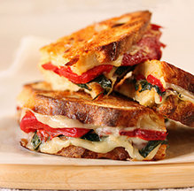 Roasted_red_pepper_and_provolone_sandwich