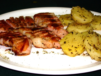 PORK STEAK FILET WITH BARBECUE SAUCE AND HERB POTATOES