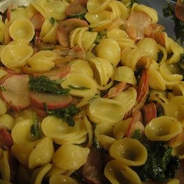 Radishes_greens_with_pasta
