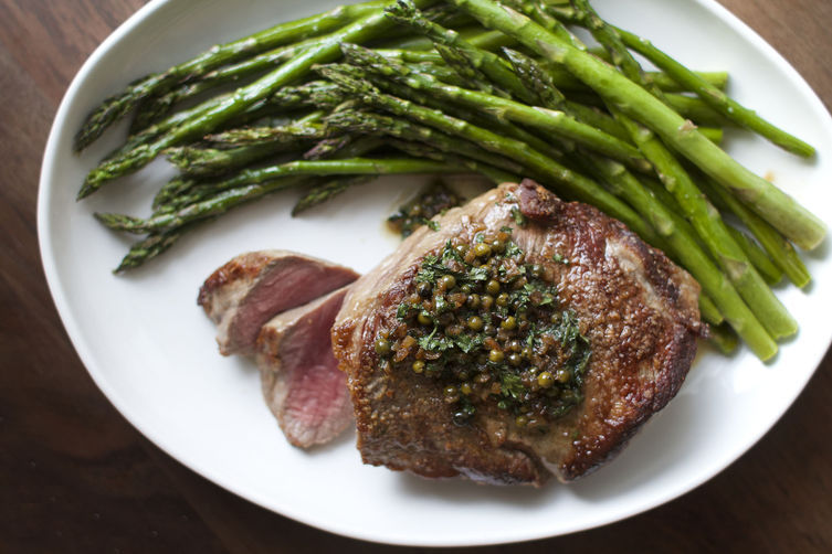 Steak with Green Peppercorns and Roasted Asparagus