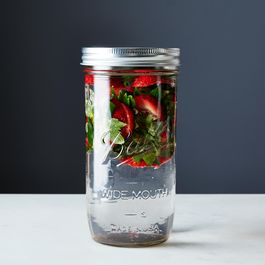 2014-0520_kc_strawberry-water-031