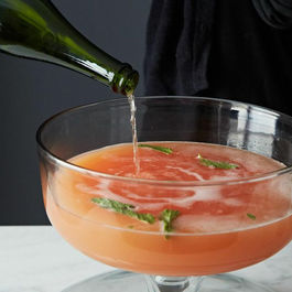 5 Links to Read Before Mixing Big Batch Cocktails