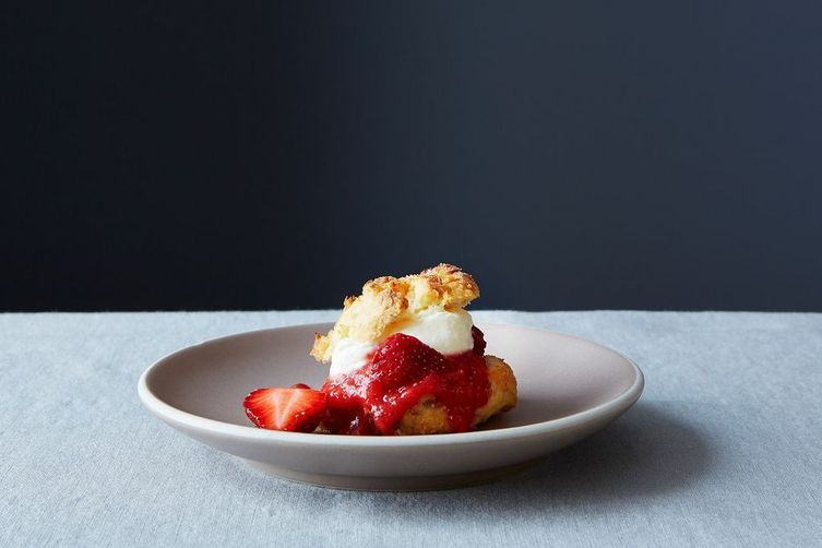 The Easiest Strawberry Shortcakes